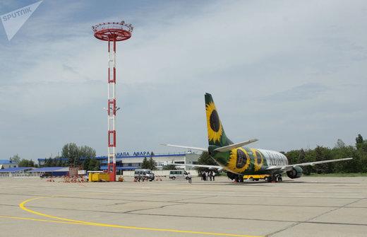 هواپیمای شرکت هواپیمایی کوبان در فرودگاه آناپا