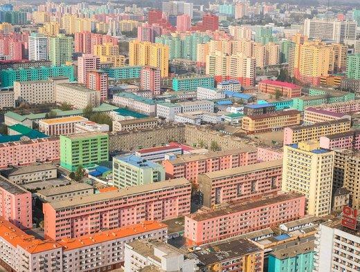 ساختمانهای بلند در مرکز شهر پیونگیانگ