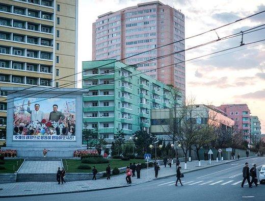چهارراهی در مرکز شهر پیونگیانگ