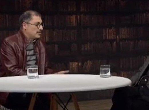انتقاد از ذوقزدگی مجری یک برنامه تلویزیونی