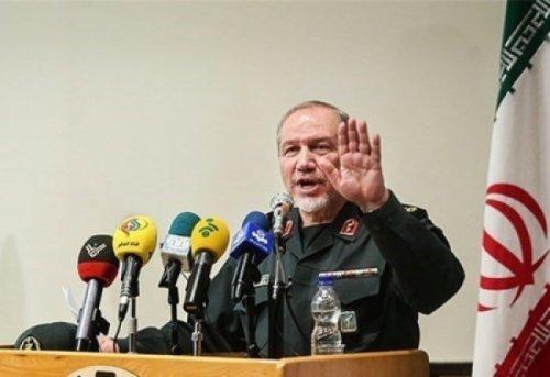 سردار صفوی: ماهیت جنگهای آینده دریاپایه و هواپایه، پرشدت و کوتاه مدت خواهد بود