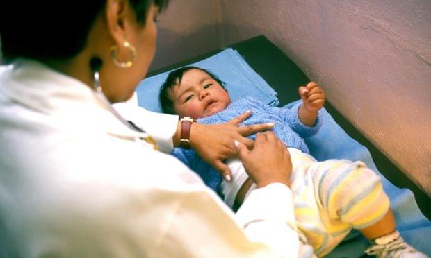 شیوع یک بیماری مرموز در جهان؟/ نوزادان بعد از ۱ هفته تب فلج میشوند!