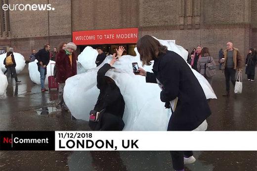 فیلم | یخهای عظیمالجثه در خیابانهای لندن