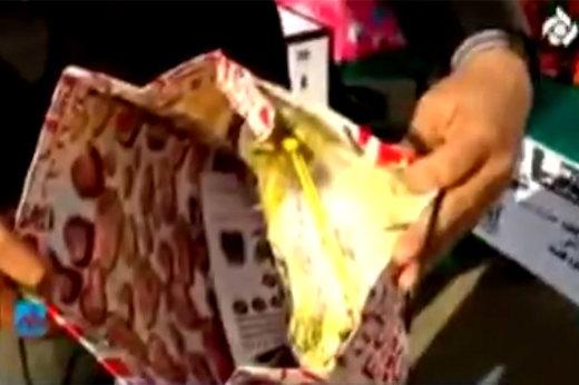فیلم | شگرد جدید سارقان برای دزدی از فروشگاهها