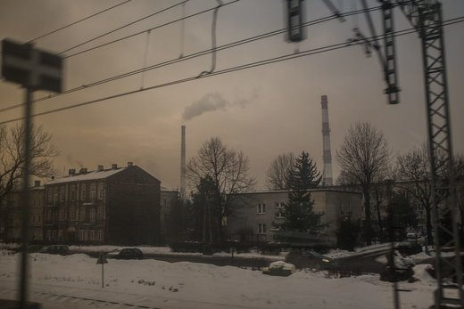 انتشار دود در شهر کاتوویتس لهستان، جایی که بیست و چهارمین کنفرانس تغییرات آب و هوایی کاپ ٢٤ برگزار میشود