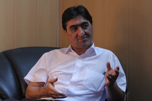 ناصر محمدخانی: طارمی به درد پرسپولیس میخورد اما احمدزاده نه
