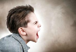اگر فرزندتان سرش را به دیوار میکوبد، نگران نشوید!