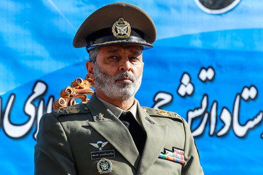 امیر سرلشکر موسوی: رهبر انقلاب احاطه کاملی بر مسائل امنیتی و دفاعی دارند