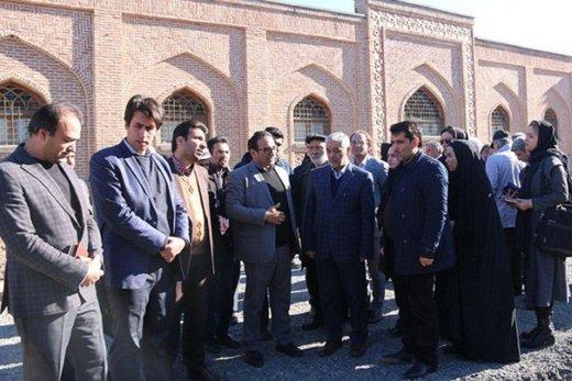بازدید اصحاب فرهنگ و رسانه از پیاده راه شیخ صفی (عالی قاپو)