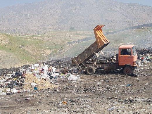 کشف و معدومسازی بیش از یک تن مواد غذایی فاسد در شهرستان شهرکرد