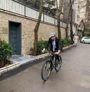 سفیر سوئیس در تهران به کمپین سهشنبههای بدون خودرو پیوست/ عکس