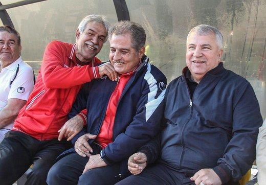 لشکری از اسطورهها روی نیمکت سرخ/ عکس
