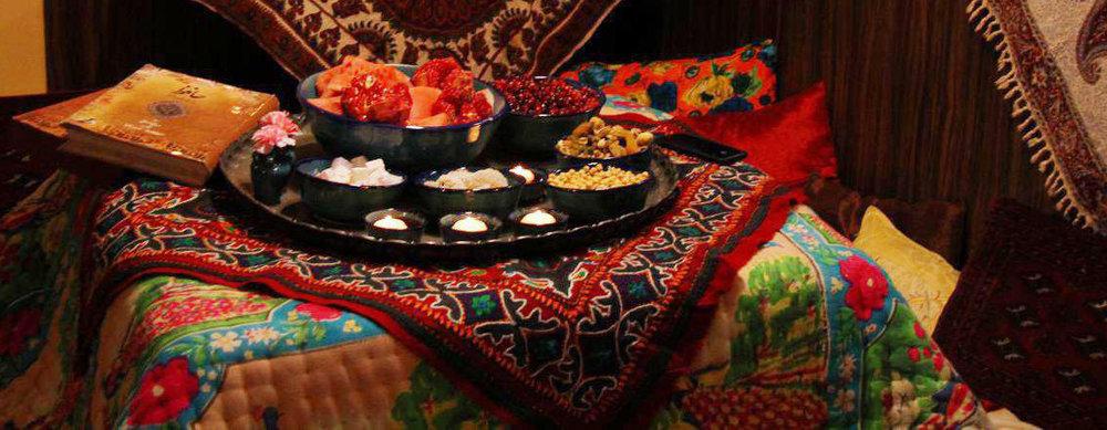 خوراکیهای دور کرسی شب یلدا