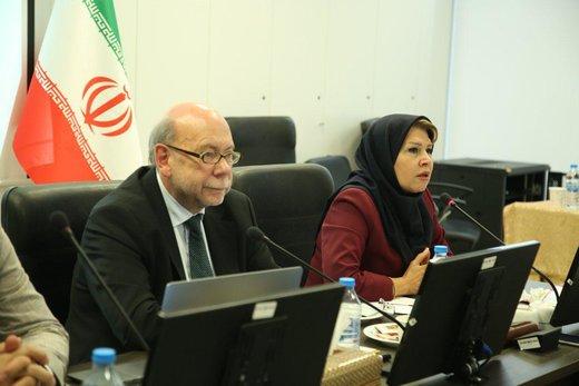 پروفسور اقتصاد آلمانی راه دور زدن تحریمها را به تاجران ایرانی یاد داد