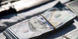 ۱۰۰ دلاریهای تقلبی در بازار اصفهان/ متهمان بازداشت شدند