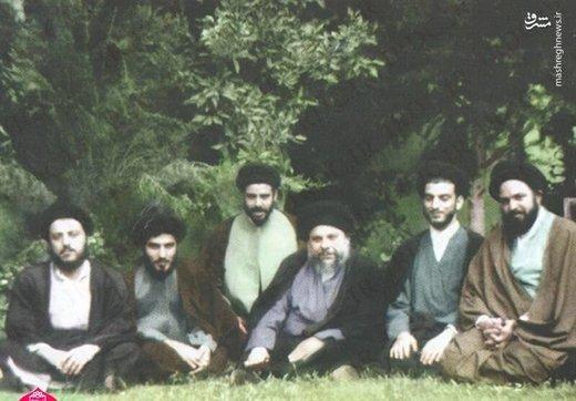 از چپ: شهید سید محمدباقر حکیم، آیتالله شاهرودی، ناشناس، آیتالله شهید صدر، عبدالعزیز حکیم
