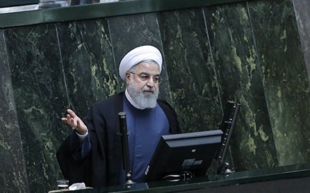 الرئيس روحاني يقدم لائحة الميزانية العامة للعام القادم للبرلمان