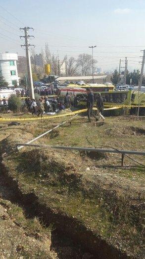 واژگونی اتوبوس در منطقه حصارک پونک