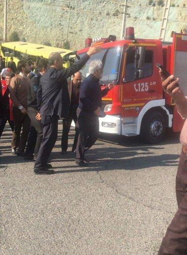واژگونی اتوبوس در محوطه دانشگاه آزاد علوم تحقیقات تهران