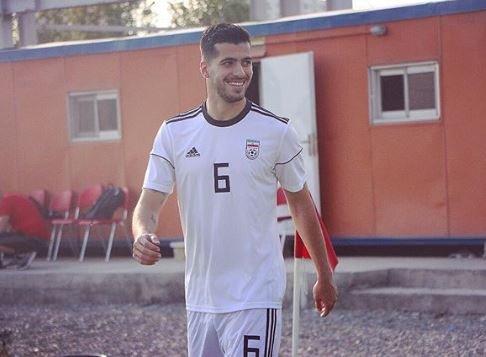 عزتاللهی در لباس تیم جدیدش/عکس