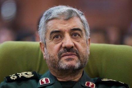 روایت سردار جعفری از پاسخ امام خمینی به پیشنهاد بنیصدر برای پایان جنگ