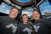 چرا فضانوردان در زمان سفر مداری، جوانتر، سرحالتر و قد بلندتر میشوند؟
