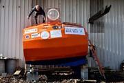 سفر به آنسوی آتلانتیک با بشکه ۳ متری توسط مرد ۷۱ ساله فرانسوی / عکس