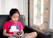ژاپن فکر میکند موبایل بینایی دانشآموزان را خراب میکند