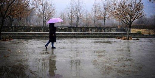 جادهها در نقاط مرتفع یخ میزند/ باد و باران تهران را درمینوردد