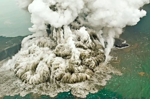 فوران آتشفشان آناک کراکاتوآ اندونزی