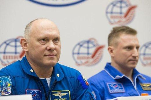 کنفرانس مطبوعاتی کیهان نوردان روس بعد از بازگشت به زمین