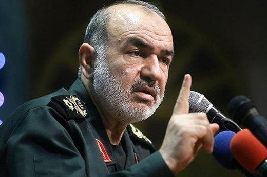 سردار سلامی: آمریکا با تحریم سخت میخواهد از اعتماد ملت به نظام کم کند / موازنه قدرت به سود ایران است