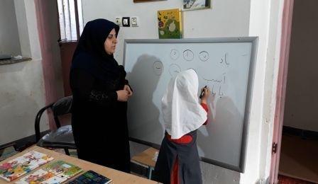 کار خیر معلم اهل لالی برای دانشآموز سرطانی