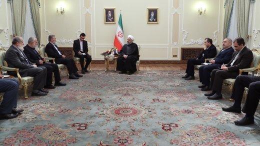 روحانی: تردیدی نداریم که در جنگ اقتصادی بر دشمنان پیروز میشویم