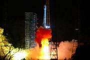 فرود موفقیتآمیز کاوشگر فضایی چین در نیمه پنهان ماه/ اولین عکس را ببینید