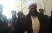 فیلم | ورود بدون محافظ و تشریفات امام جمعه جدید تهران به نمازجمعه