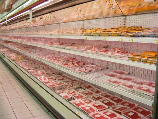 دلالان گوشت یخزده را از مردم میخرند