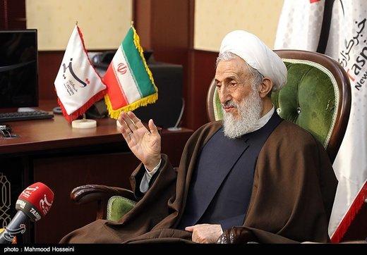 حمایت صدیقی از برداشتن نردههای اضافی در نمازجمعه تهران: معنای ندارد بین مردم و مسئولین فاصله باشد