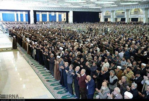 واکنشها به حذف میلههای حائل در نمازجمعه/ مگر ائمه جمعهای که شهید شدند، محافظ نداشتند؟