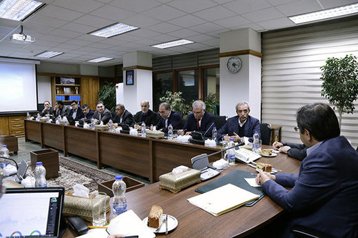رئیس کل بانک مرکزی: صادرکنندگان ارز خود را به سامانه نیما عرضه کنند