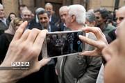 سلفی احمدینژاد با خسرو گلسرخی!