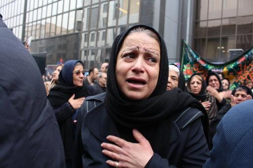 عزاداری خانواده قربانیان سانچی مقابل شرکت ملی نفتکش
