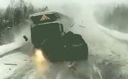 فیلم   تصادف وحشتناک ۳ خودرو و یک کامیون در جاده یخزده