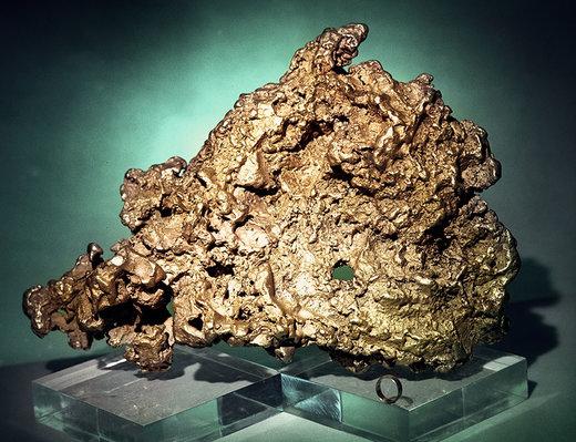 این قطعه طلا به وزن 36.2 کیلوگرم در سال 1842 در میاس روسیه کشف شد، میزان طلای خوب آن 32.94 کیلوگرم یا 1,059 اونس است و در کرملین مسکو نمایش داده میشود