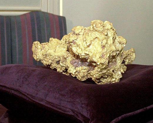 این قطعه طلا که 25.5 کیلوگرم یا 820 اونس وزن دارد، در سال 1995 در شهر کالگورلی استرالیا کشف شد و هم اکنون در موزه Perth Mint نمایش داده میشود
