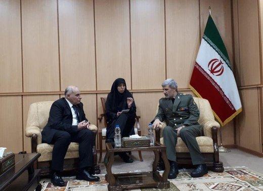 مساعد وزير الدفاع السوري يلتقي وزير الدفاع الايراني