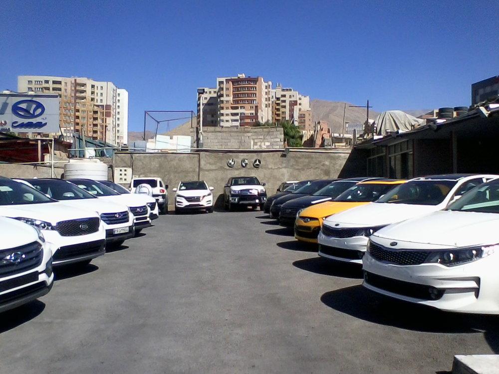 5119589 - بازار خودرو تغییر مسیر داد/کوچ دلالان و سرمایهگذاران از بازار