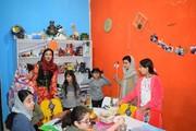 کارگاه آموزشی رویای رنگی هنرمند کردستانی در بوشهر