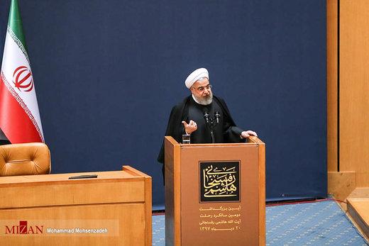 روزنامه جوان: رهبر انقلاب گفتند هاشمی متعهد و کارآمد است و هیچکس برای من هاشمی نمیشود، اما روحانی درباره او غلو کرد!