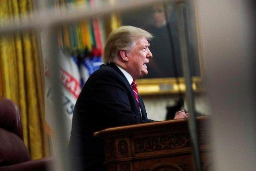 دونالد ترامپ، رئیس جمهور آمریکا در کاخ سفید پیام تلویزیونی درباره مهاجرین و مرزهای جنوبی این کشور به مردم میدهد